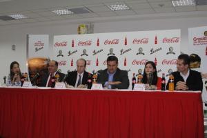 Foto Firma CocaCola Leones del Caracas 1
